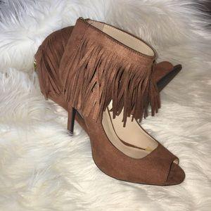 Qupid women's 7 fringe cuff heels